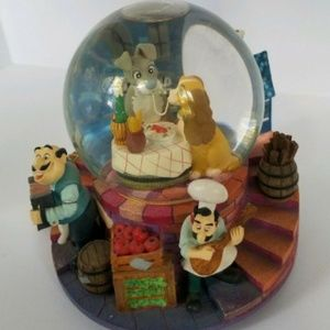Disney Lady and the Tramp Musical Snow Globe vtg.